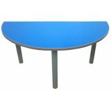 Стол детский Полукруглый Цветной или Бук Пластик рег. 0-3